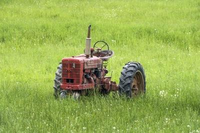 Traktorski rezervni deli za traktorje različnih blagovnih znamk, modelov in starosti