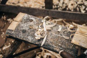 Dobro orodje nam močno pomaga pri obdelavi lesa